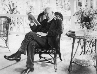 thomas-edison-reading